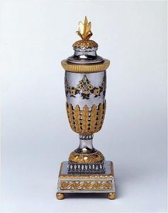 ANTOINE CHENEVIERE FINE ARTS - russian cassolette vase - Vaso Decorativo