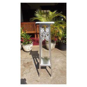 DECO PRIVE - sellette en bois argenté modèle flower - Tavolino Rotondo