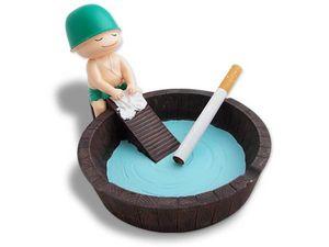 WHITE LABEL - cendrier bassine d'eau avec soldat accessoire fum - Posacenere