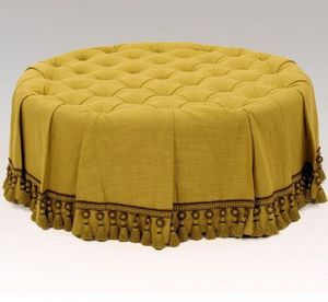 CLOCK HOUSE FURNITURE - deep buttoned stool with skirt - Divanetto Rotondo